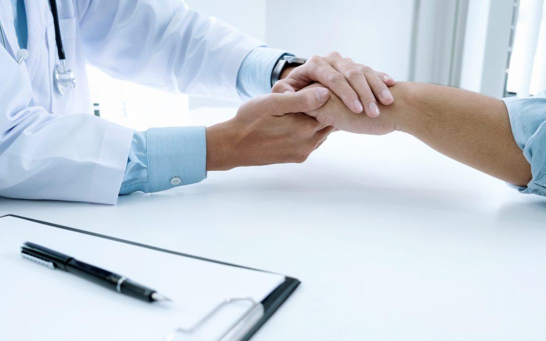 Quando o médico pede perdão a uma paciente…