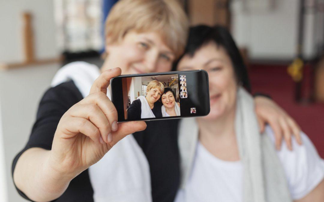 Redes sociais: selfies e outras condutas